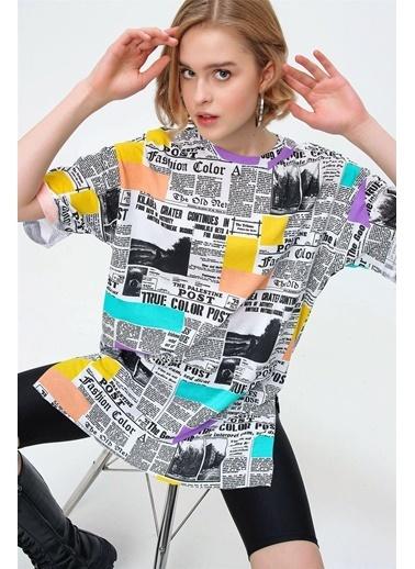 Modaplaza Kadın Grafik Desen Yanı Yırtmaçlı Oversize Tişört Beyaz